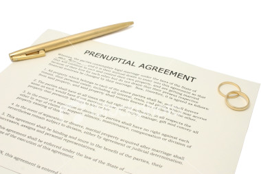 ist2_1685710-prenuptial-agreement