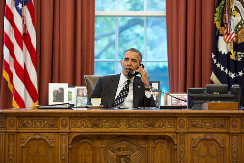 800px-barack_obama_on_the_telephone_with_hassan_rouhani