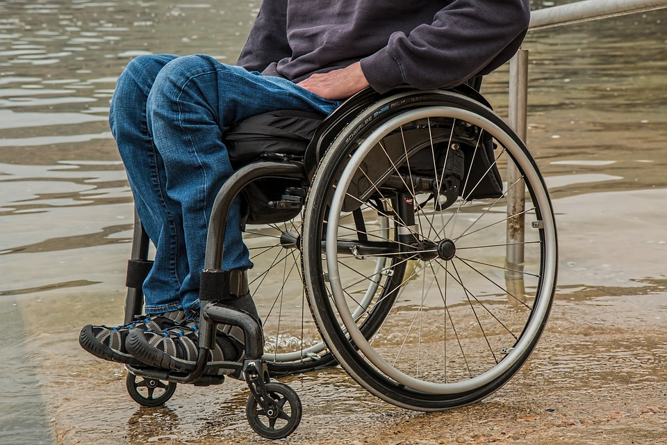 Defendant in Wheelchair Dies After being scorned by a Judge