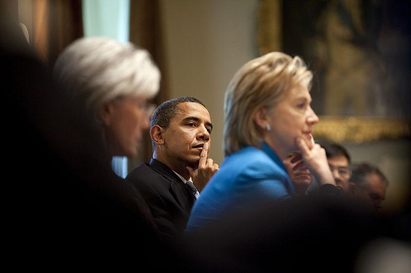 800px-barack_obama_cabinet_sebelius_hillary_clinton_swine_flu_5-1